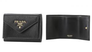 プラダ ミニ財布